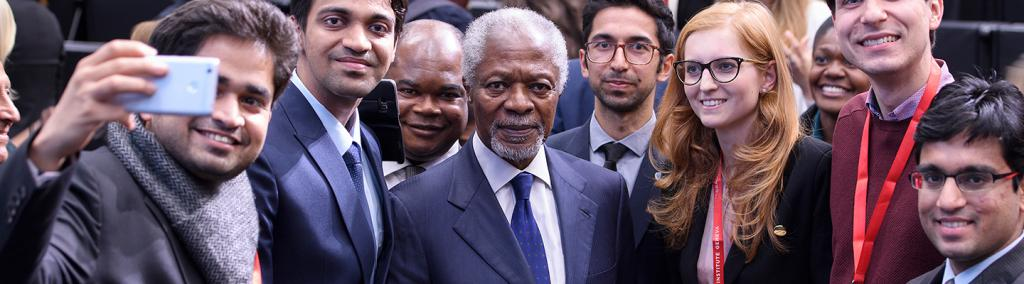 banner Koffi Annan with Students